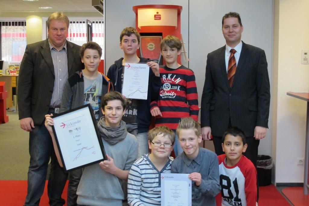 Schüler der Jahrgangstufe 7 der Gemeinschaftsschule Burbach haben erfolgreich beim Planspiel Börse teilgenommen.