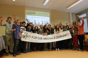 """Schüler der Jahrgangsstufe 7 der Gemeinschaftsschule Burbach nahmen jetzt an einem Pilotprojekt zum Thema """"Social Network"""" teil."""